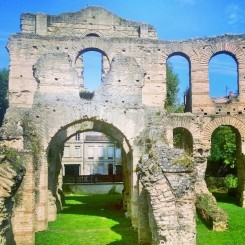 Gallo-Roman amphitheatre, just like that... Photo: Ksenia Kosheleva